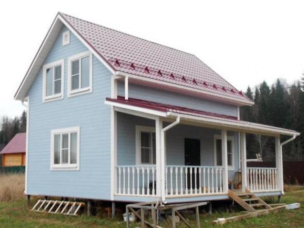 Каркасный дом квадратной формы